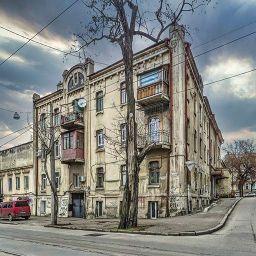 Доходный дом и богадельня на Старопортофранковской, 41