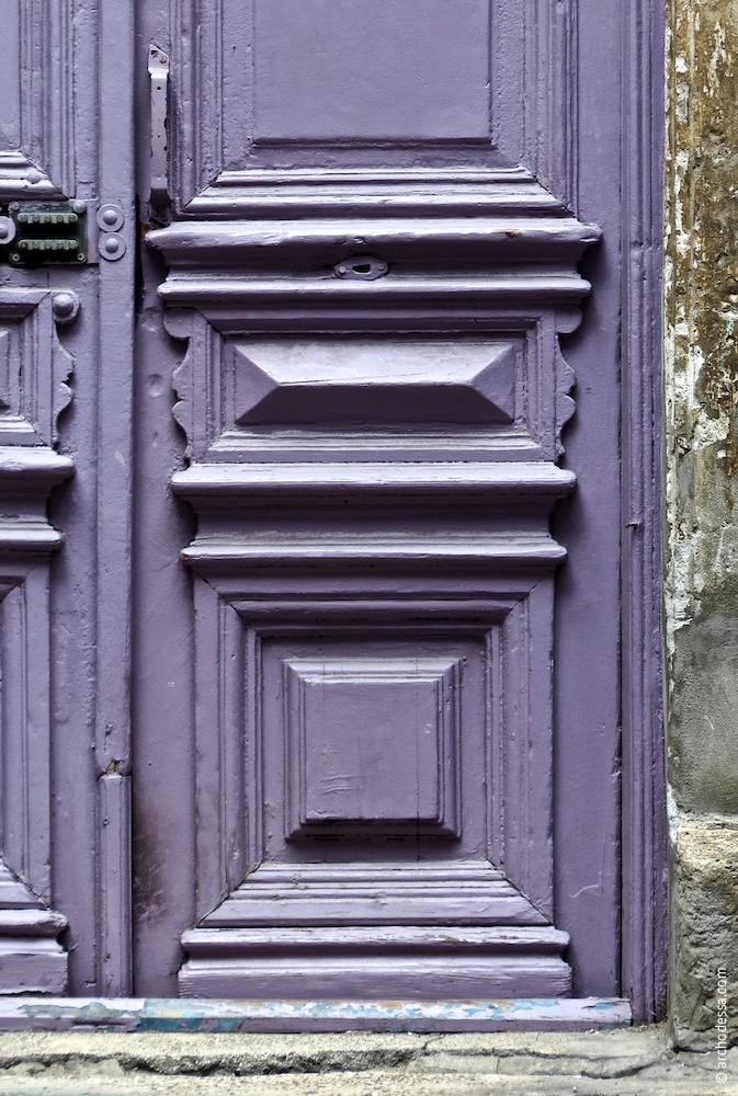 Unterer Teil des Türflügels, ein Ausschnitt