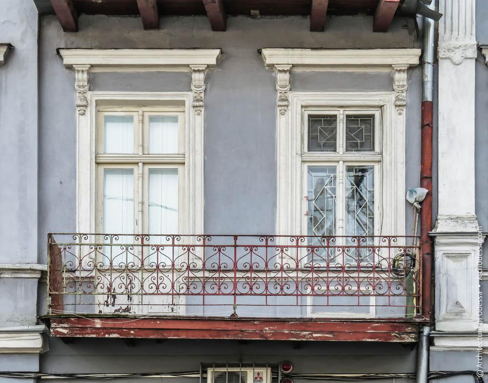 Проемы основной фасадной плоскости