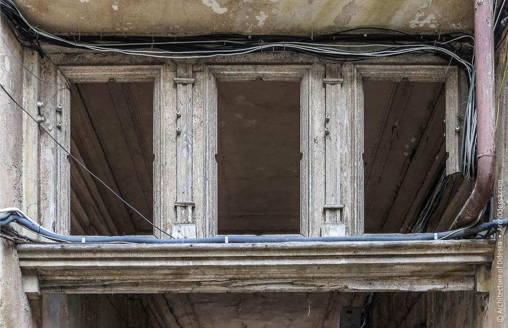Фрамуга внутренних ворот