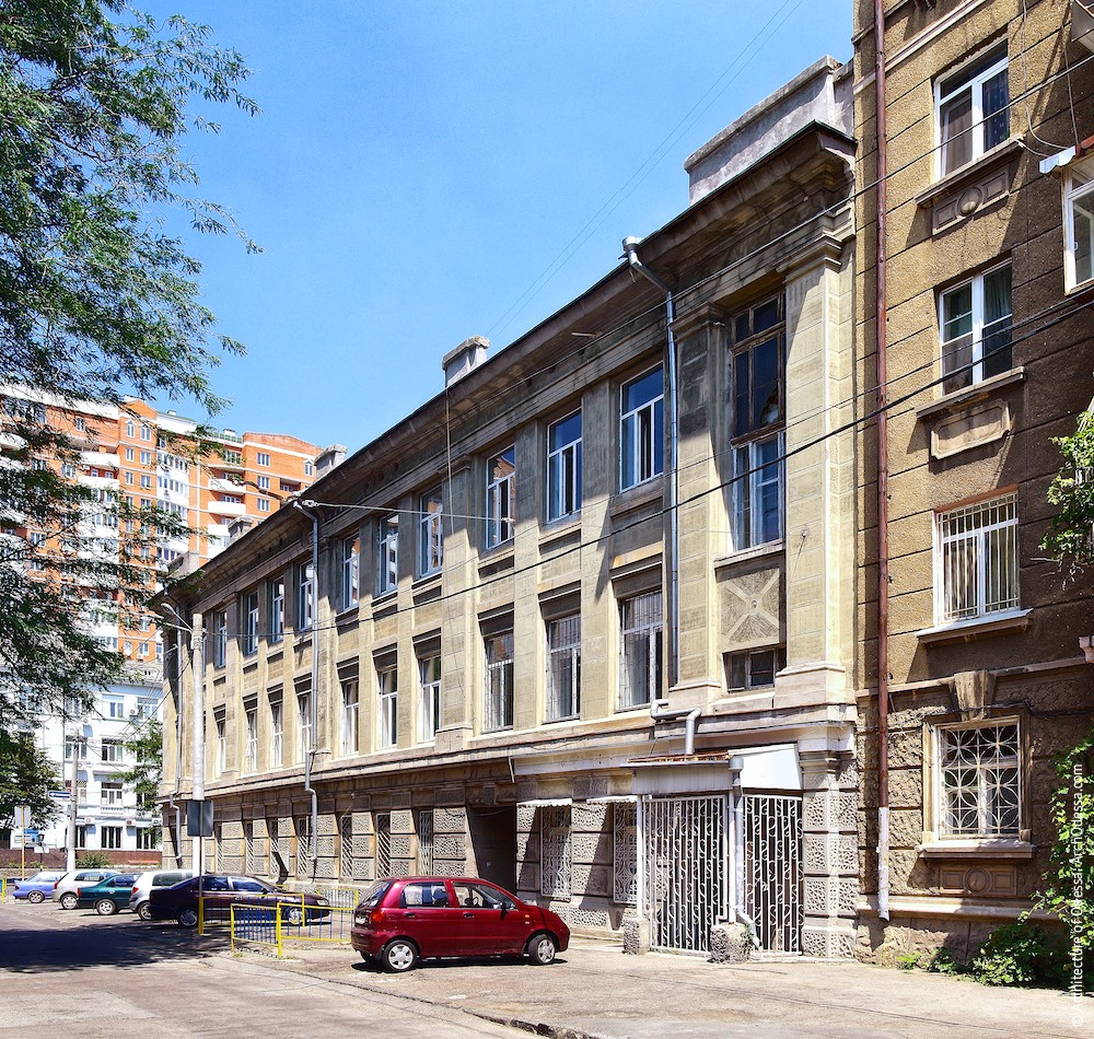 Фасад по Канатному переулку