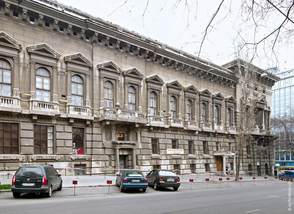 Фрагмент фасада по Бунина