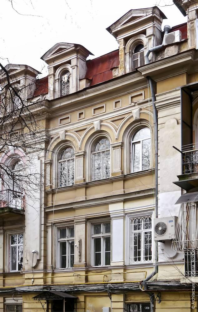 Фрагмент фасада, второй и третий этажи