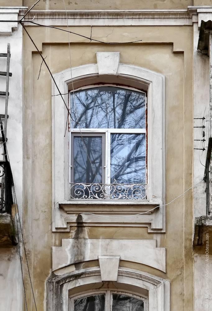 Вікно четвертого поверху