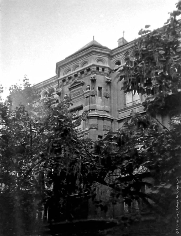 Еркер на фото Володимира Георгійовича Нікітенко, 1970-ті роки