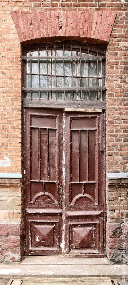 Аутентичная дверь