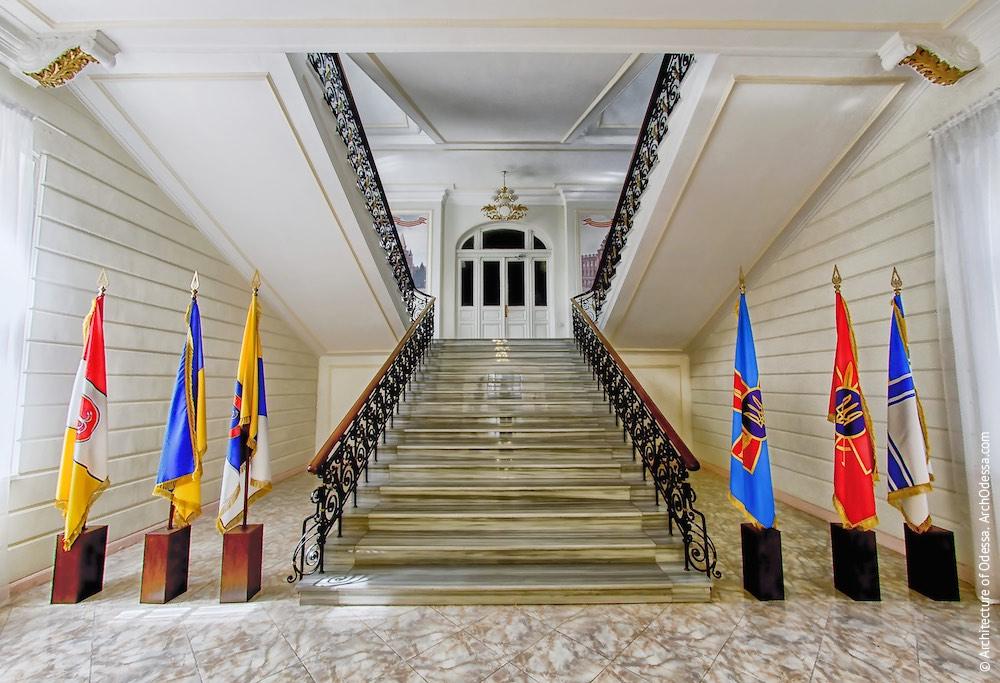 Вид со стороны холла