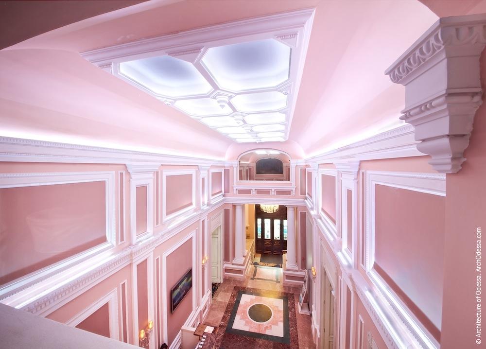 Вестибюль, общий вид на шлюз со второго этажа