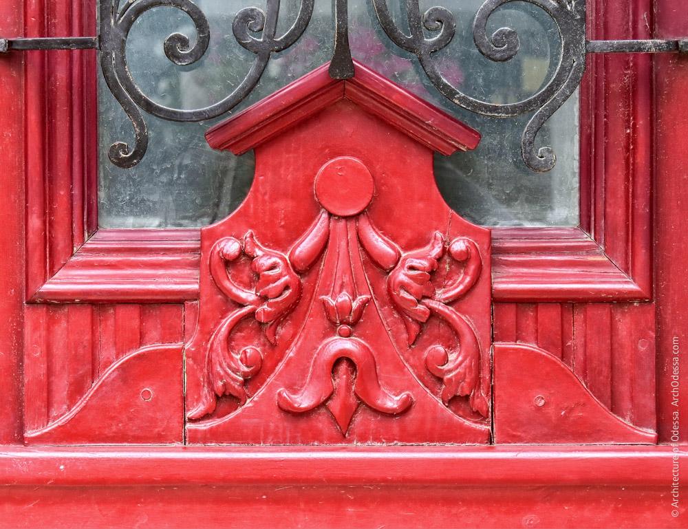 Двері, різьблені деталь