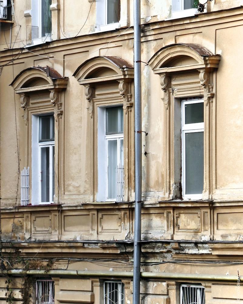 Вікна (дворовий фасад)