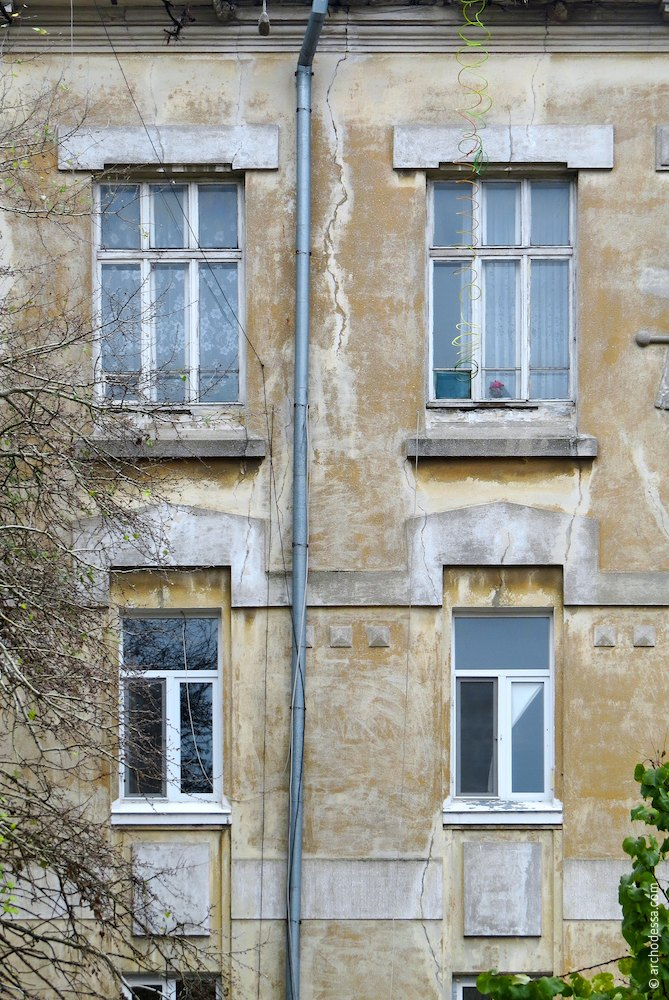 Windows of the second and third floors