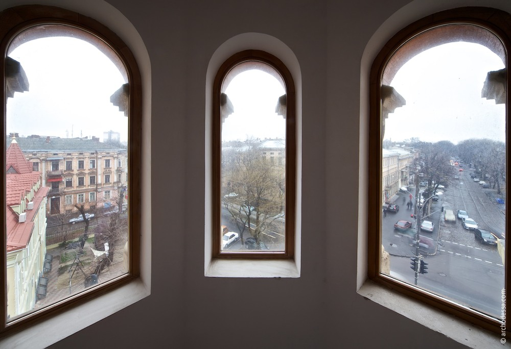 A view of right-side staircase tower from the upper tier windows