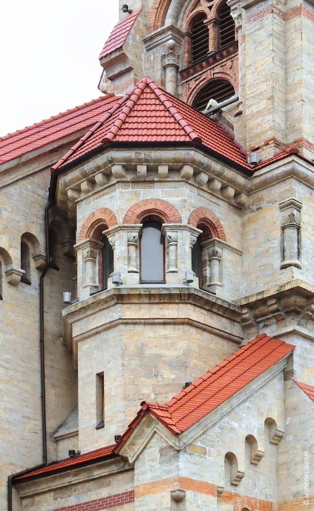 Left-side tower