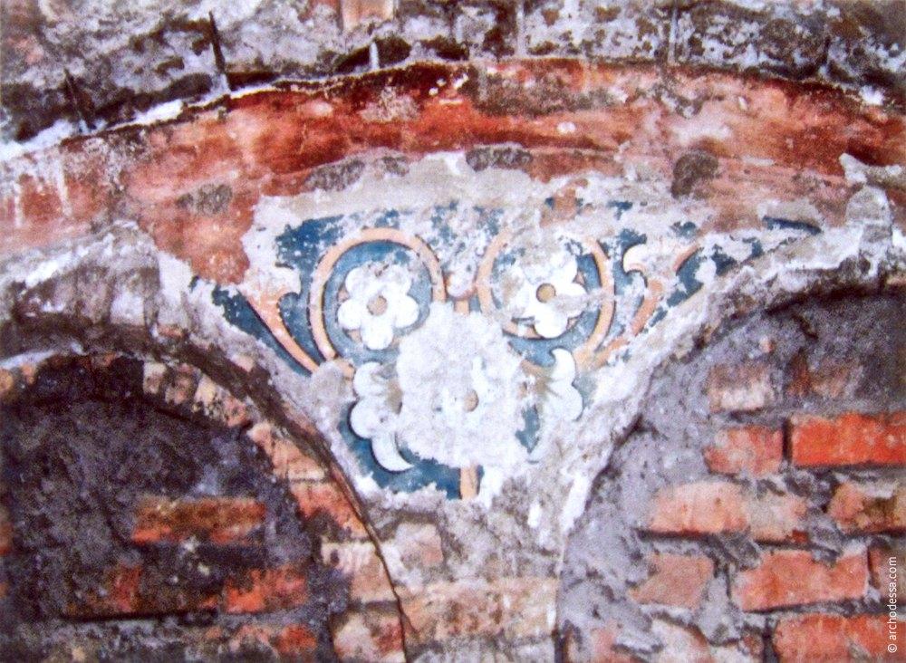 Фрагмент росписи в Кирхе, найденный при реставрации