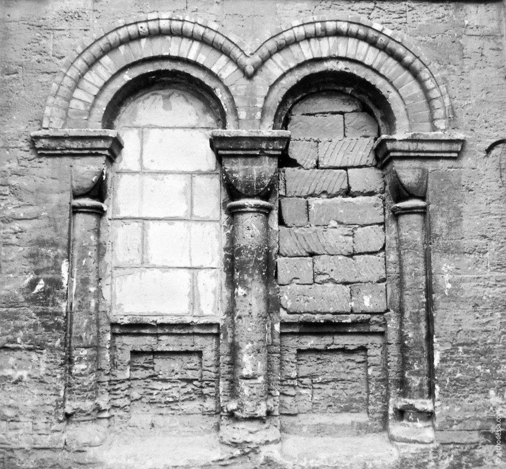 Заложенные окна нижнего яруса (вторая половина 1990-х годов)