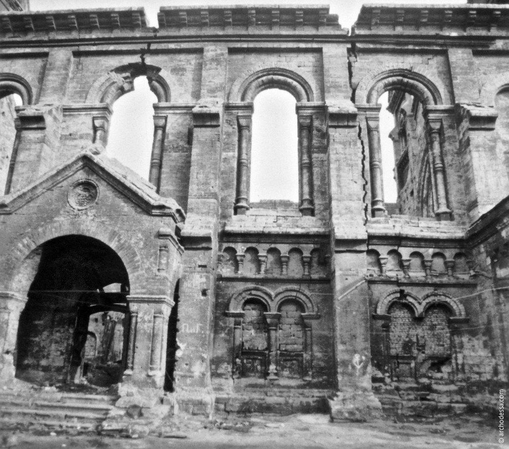 Боковой фасад, портал и внешние стены