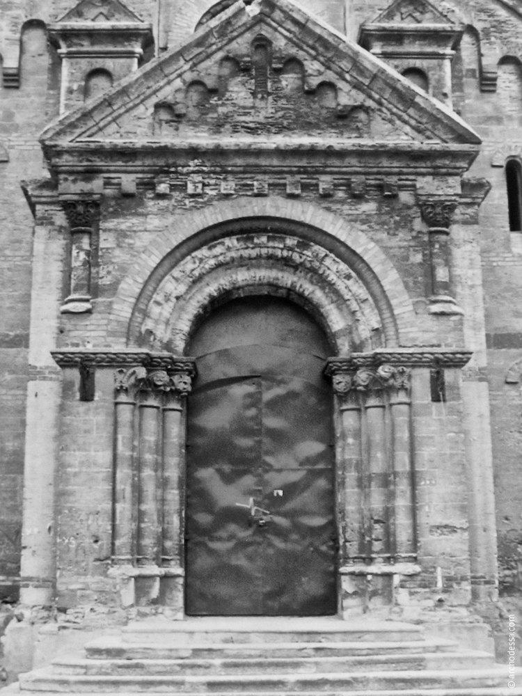 Портал главного входа (вторая половина 1990-х годов)