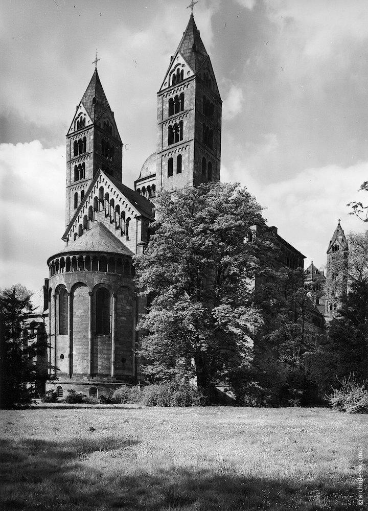 Романський стиль. Кірха в Одесі. Німецька церква.