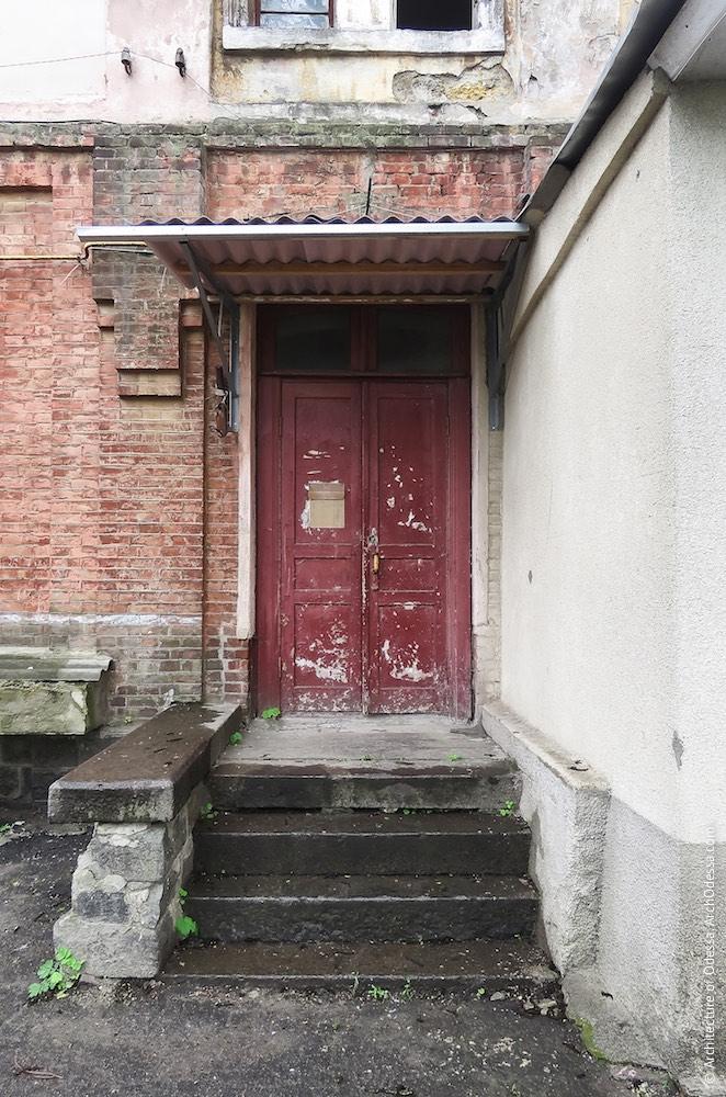 Портал входа в подъезд