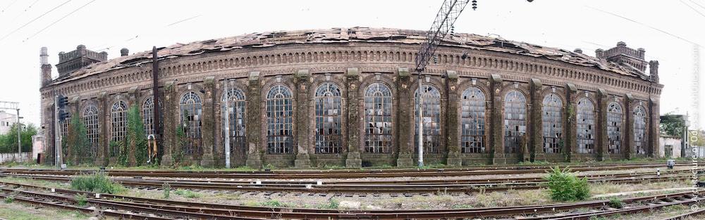 Загальний вигляд зовнішнього бічного фасаду, фото 2011 р.