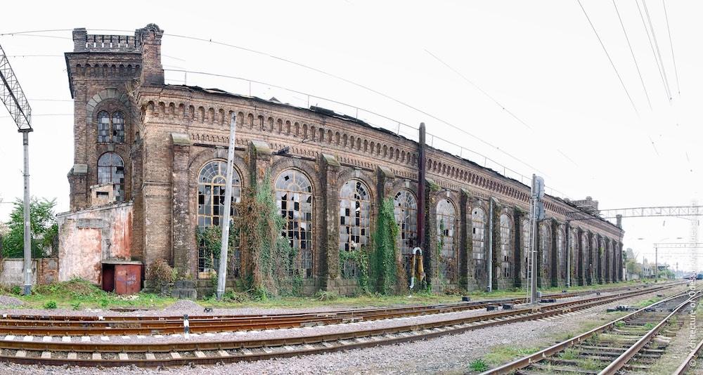 Загальний вигляд з боку старого паровозного депо, фото 2011 р.