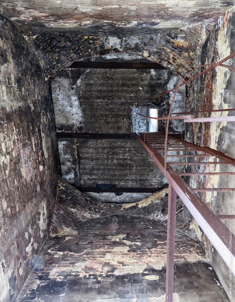 Перекриття стелі приміщення другого ярусу одного з ризалітів з боку станції Одеса-Мала