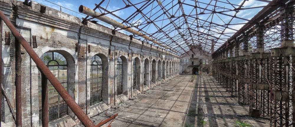 Загальний вигляд всередині цеху (з висоти одного з внутрішніх балконів торцевої стіни)