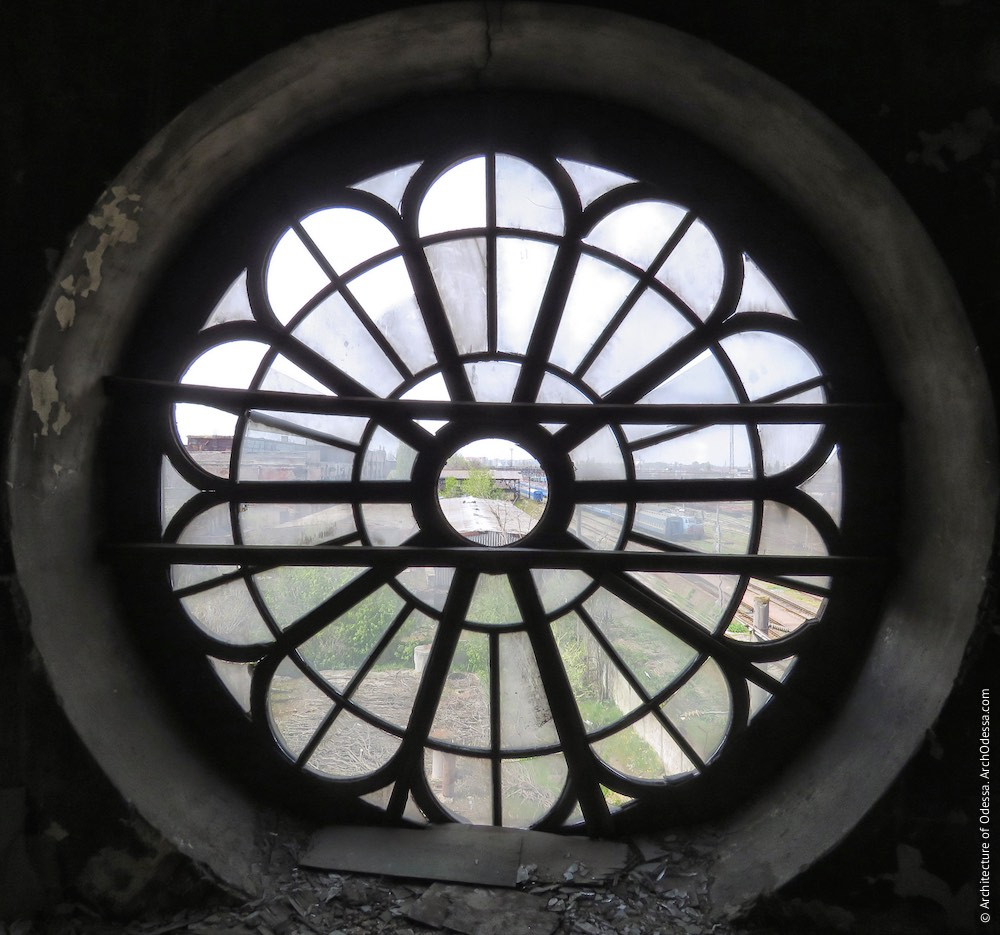 Вікно-троянда, вигляд зсередини