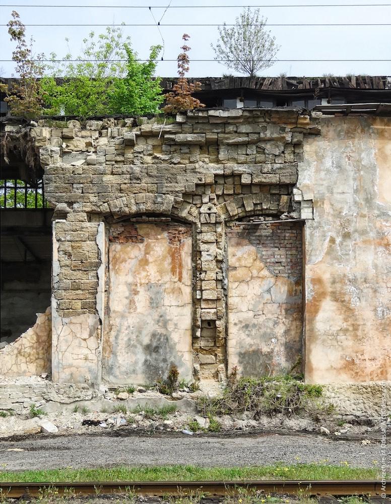 Фрагмент автентичної частини фасаду