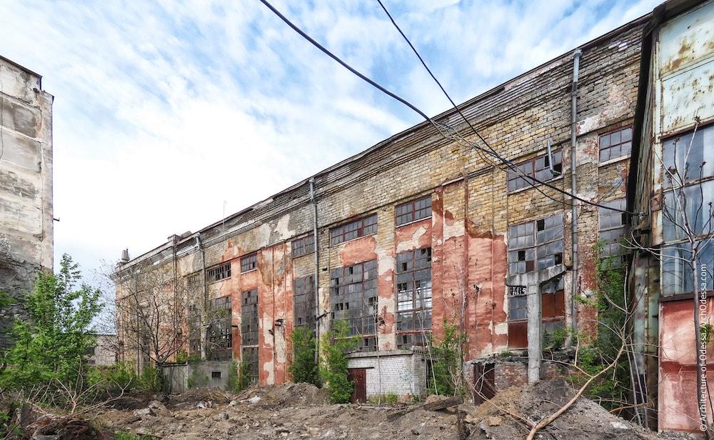 Вигляд з боку Косовської, корпус у випробувальному майданчику