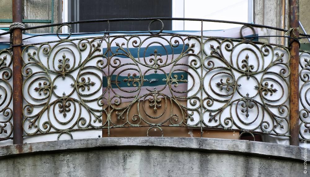Балконна огорожа, фрагмент
