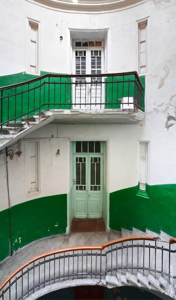 Двері та майданчики другого і третього поверхів