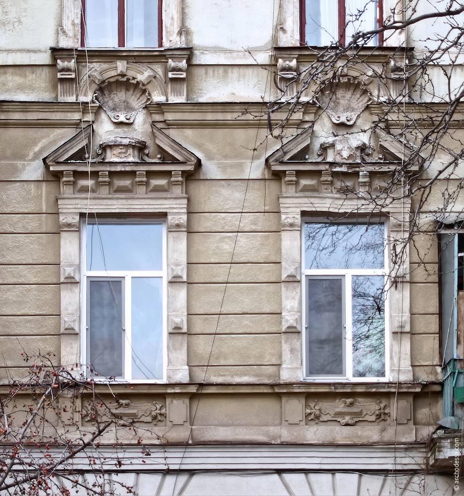 Загальний вигляд віконних налічників з сандриками