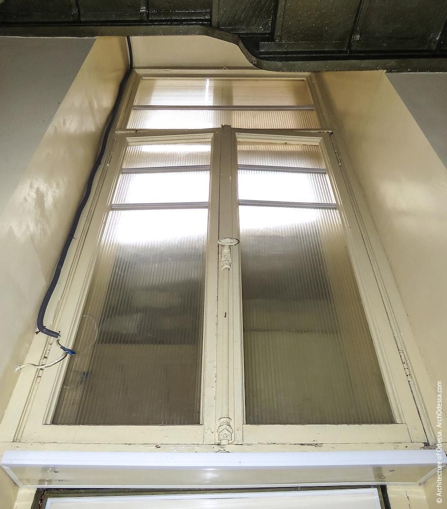 Світлове вікно з оригінальною палітуркою