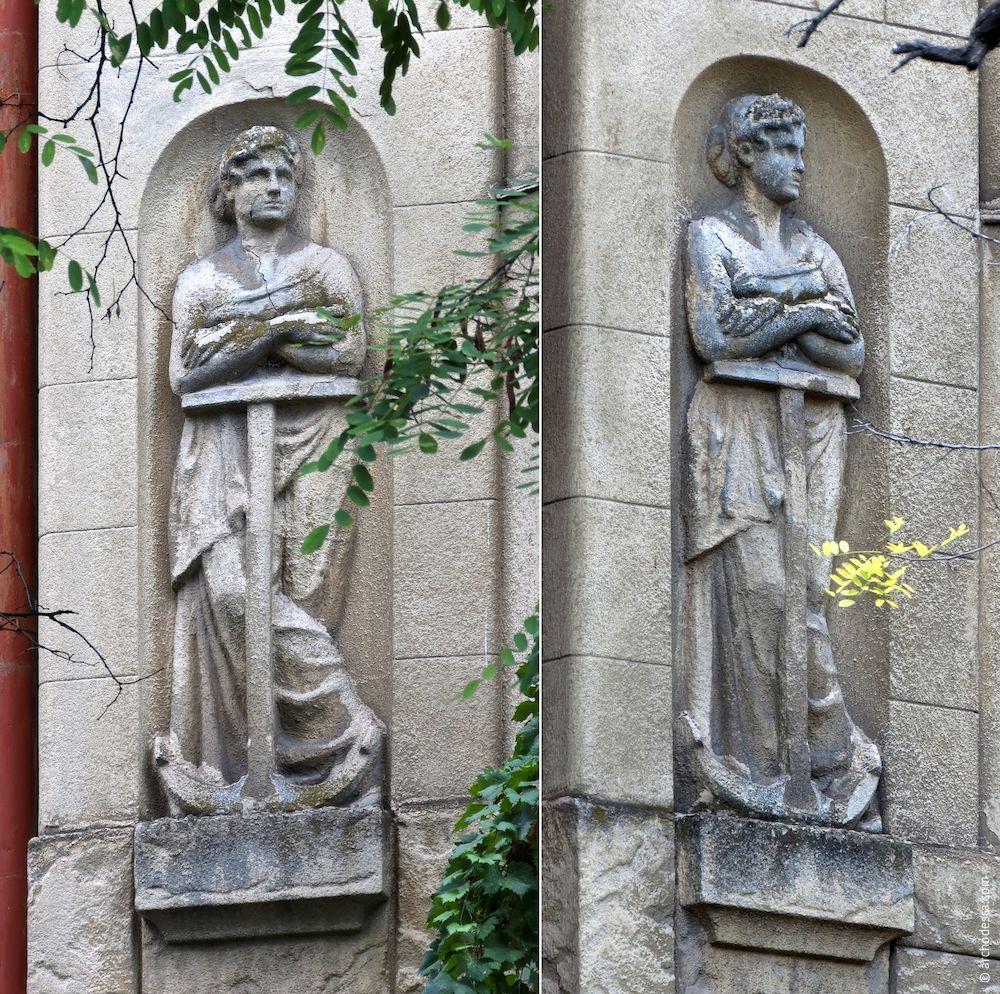 femmes sculpture avec une ancre