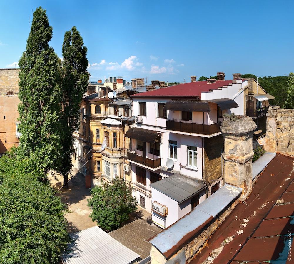 Ansicht vom Dach der Villa in der Marazlijewskaja-Straße 18