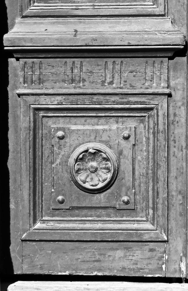 Türflügel, Dekor des unteren Teils
