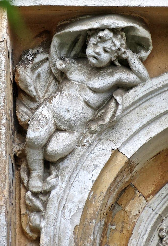 Камінна скульптура