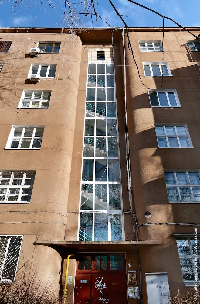 1a Marazlievskaya Street. Apartment house of NKVD workers. Architecture of Odessa. History of Odessa. Tourism in Odessa. Architecture in Ukraine. General view