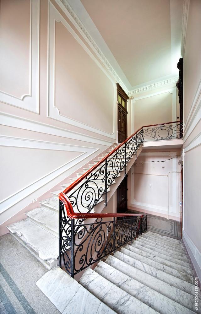 Treppenabsatz zwischen 2. und 3. Stock