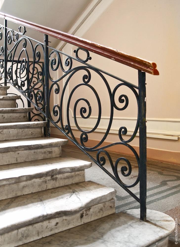 Treppenlaufgeländer im Erdgeschoss