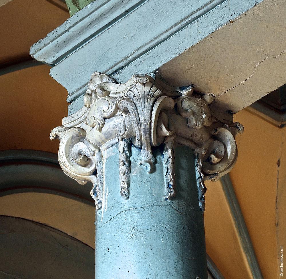 Ein Säulenkapitell