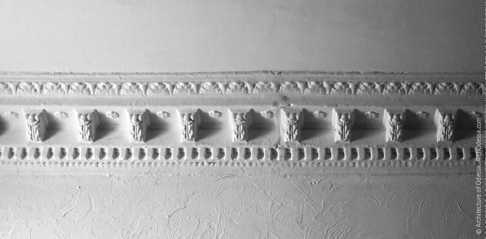 Cornice of the ceiling of the staircase