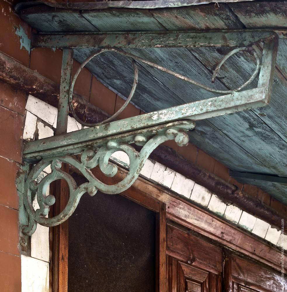 30, Marazlievskaya Street. Luzanov's mansion. Architecture of Odessa. History of Odessa. Tourism in Odessa. Architecture in Ukraine.