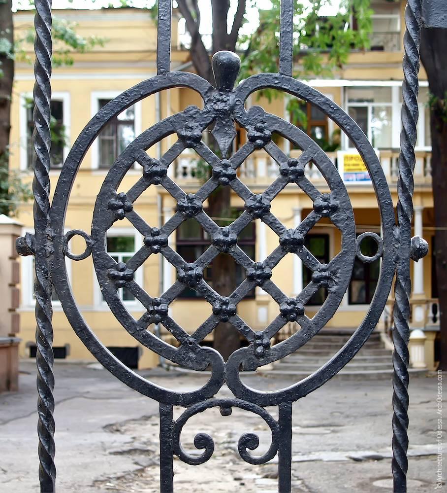 Medallion on the gates