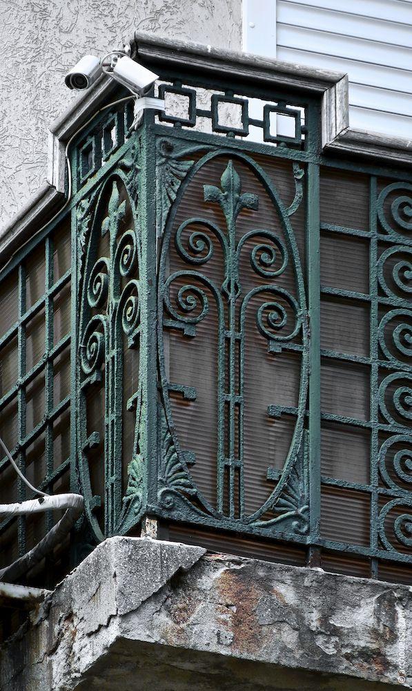 Balkon im 3. Stock, Geländerpfosten