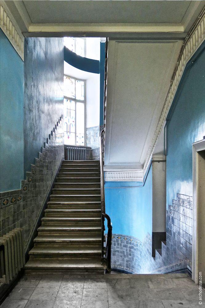 Ansicht vom Treppenabsatz im 1. Stock