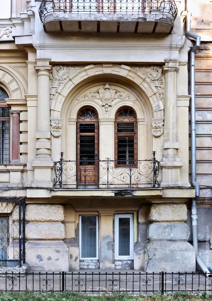 Правосторонний ризалит, первый этаж, общий вид композиции
