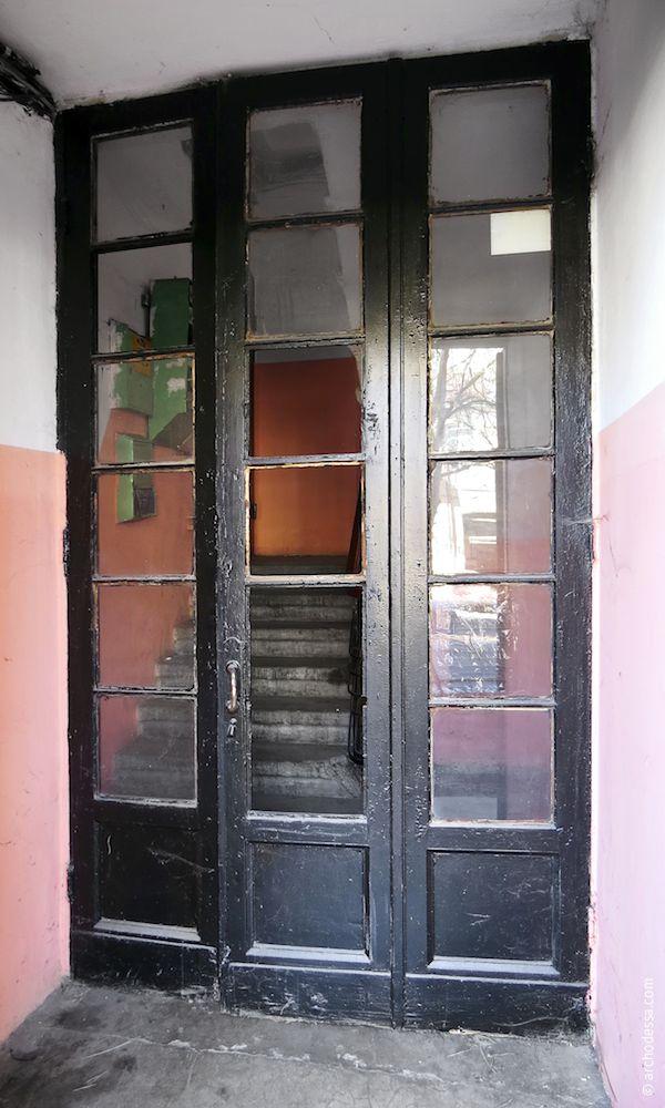 Аутентичная (внутренняя) входная дверь