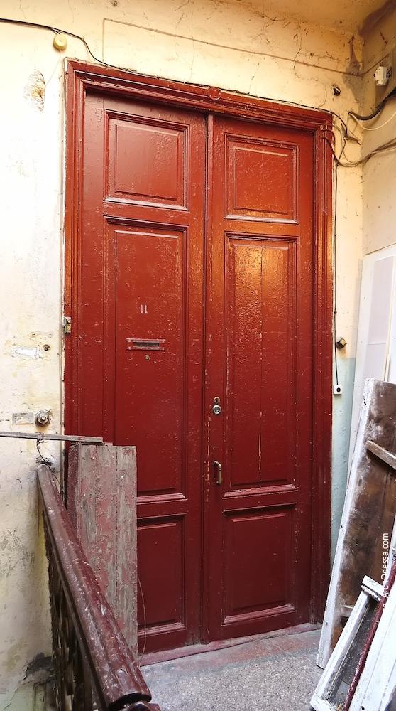 Квартирні двері